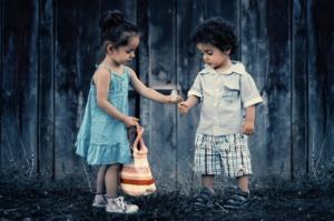 fille et garcon fleur
